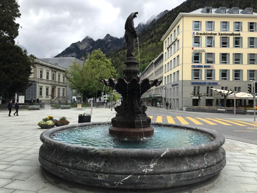 Fonte de água na Postplatz