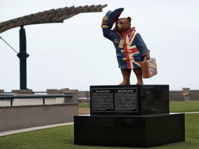 Estátua de Paddington no Parque Salazar