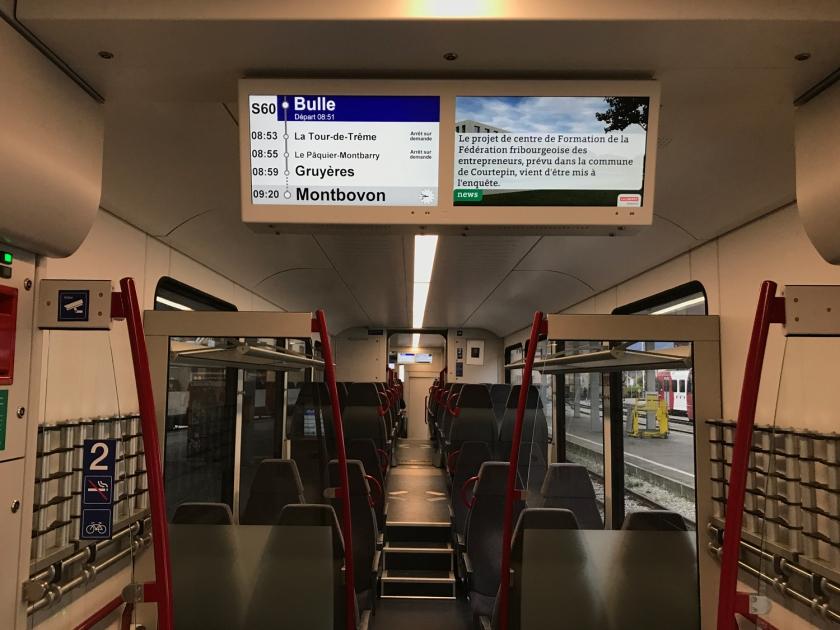 Painel mostra as paradas do trem