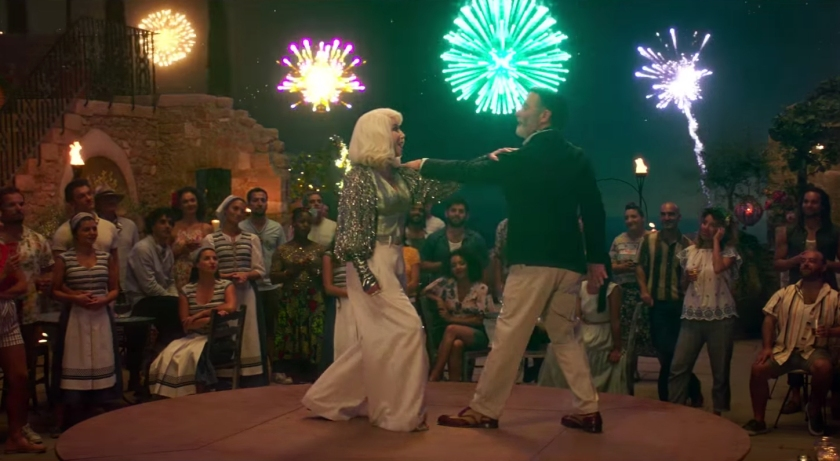 Clima de festa do filme Mamma Mia! Lá vamos nós de novo