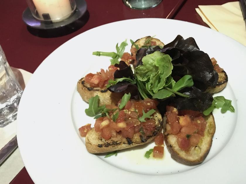 Bruschette de tomates frescos