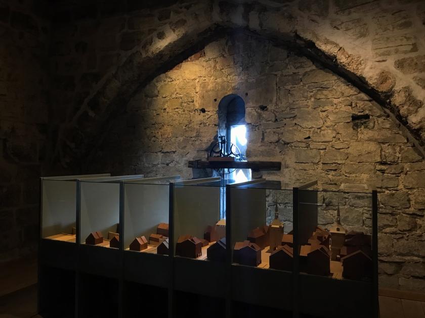 Maquetes da torre ao longo dos séculos