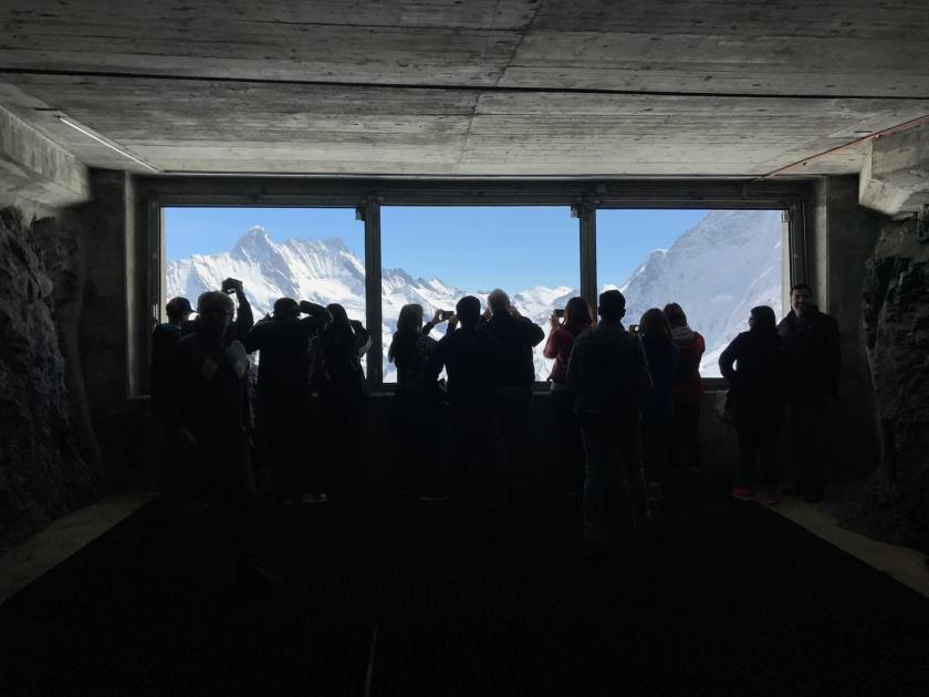 Parada em Eismeer com vista das montanhas