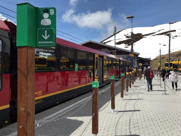 Trajeto de trem entre Interlaken e Jungfraujoch