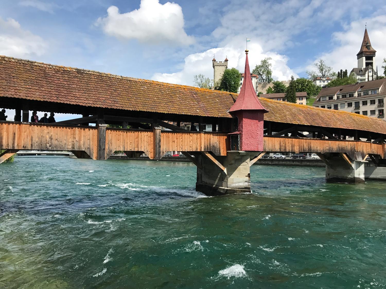 Spreuerbrücke é uma ponte sobre o rio Reuss