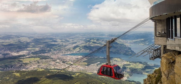 Subida ao Monte Pilatus de teleférico