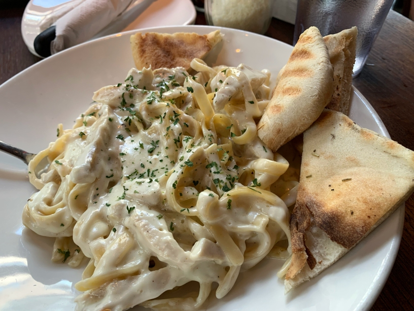 Fettuccine Alfredo with chicken
