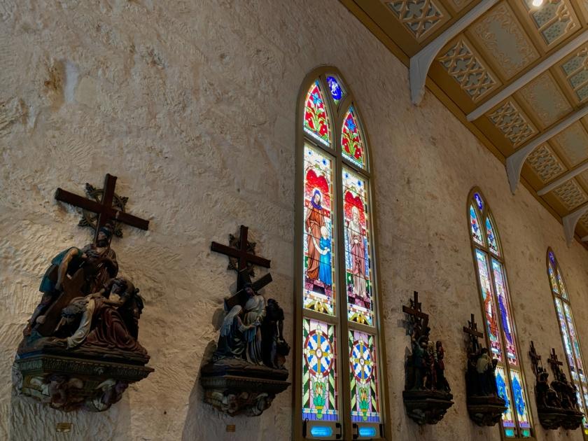 Vitrais e crucificação