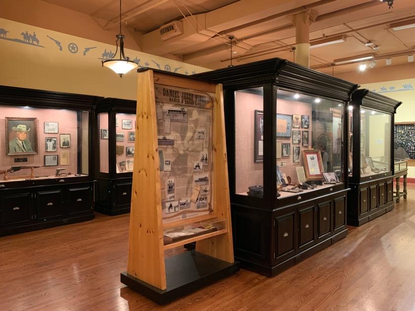 Fotografias, relatos e objetos em exposição