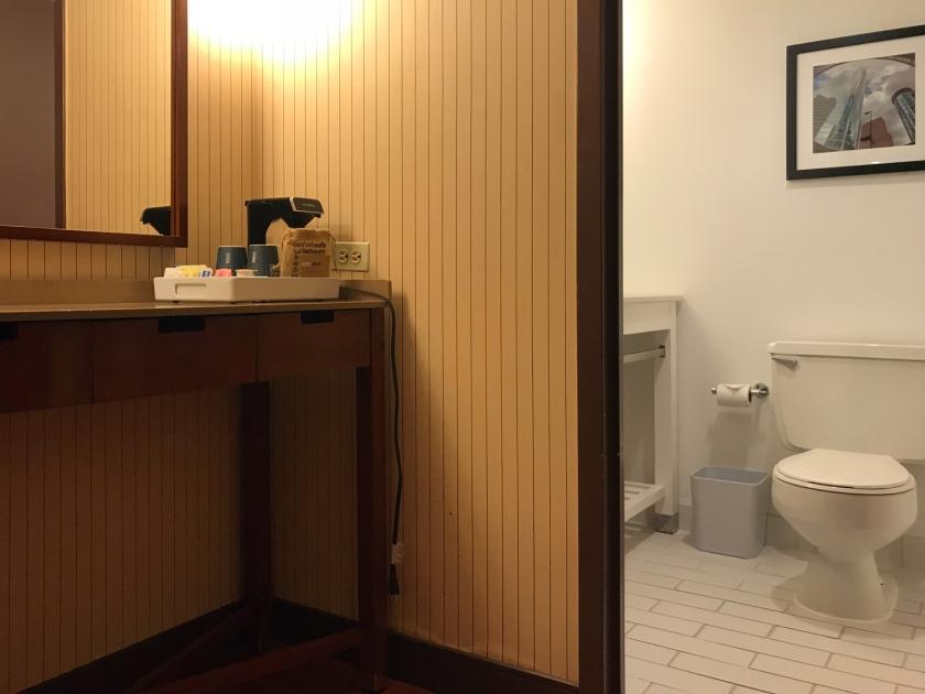 Sala e banheiro
