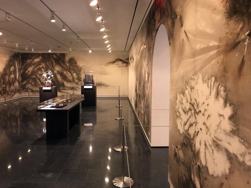 A pintura da parede da sala chinesa foi feita com explosões