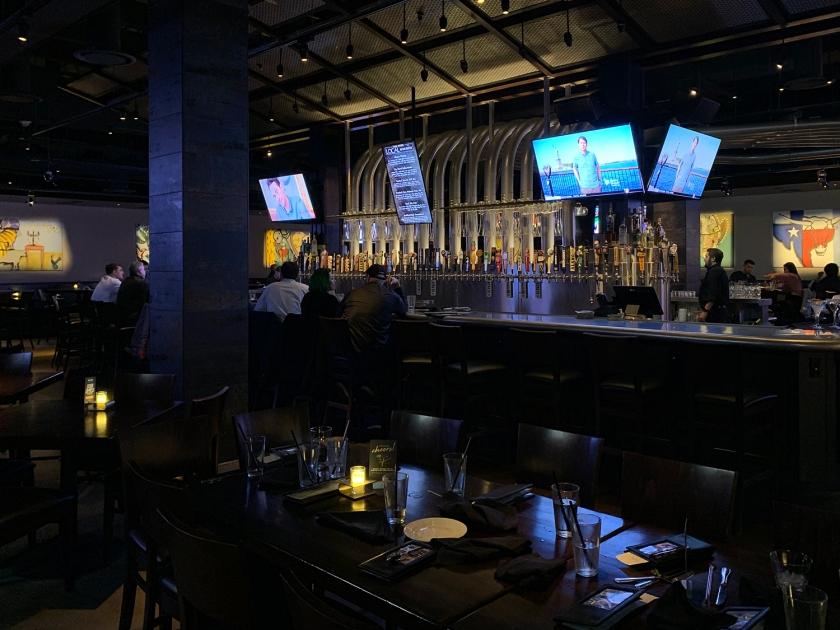 Área do bar e esportes