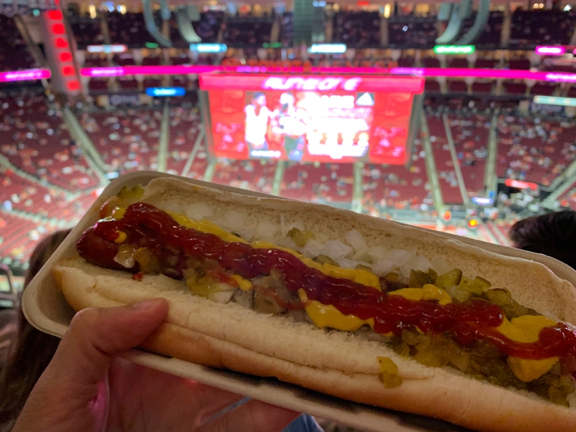 Típico hot dog americano