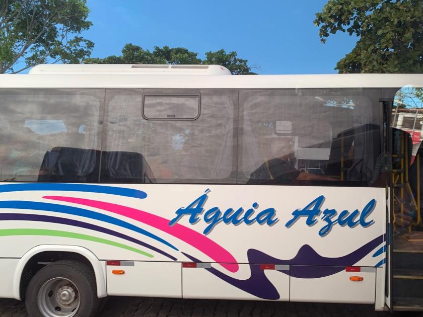 Ônibus no porto de Arraial d'Ajuda