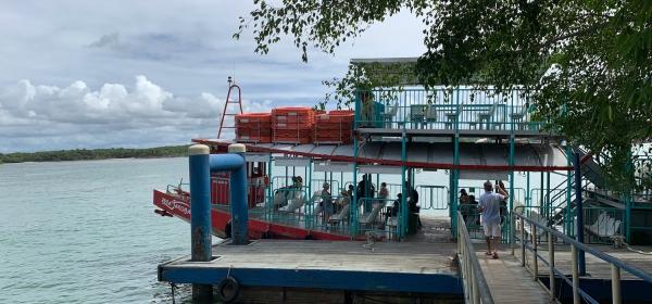Passarela de acesso à balsa de passageiros