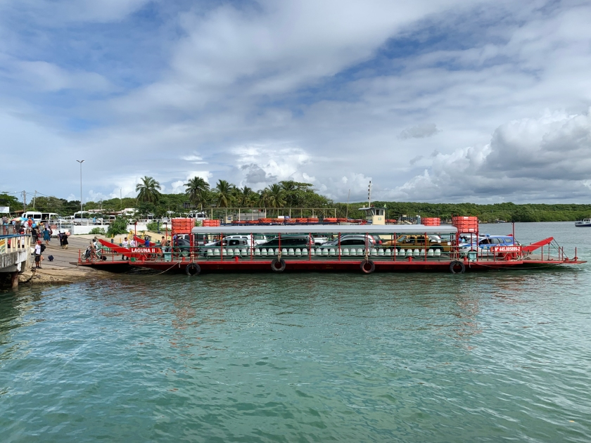 Travessia de balsa entre Porto Seguro e Arraial d'Ajuda