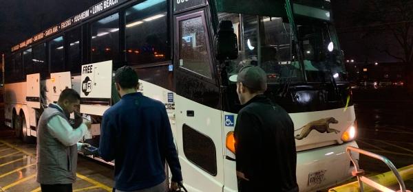 Embarque no ônibus da Greyhound
