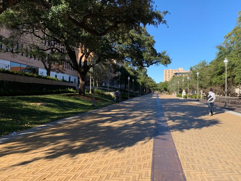 Caminhada pelas ruas do campus