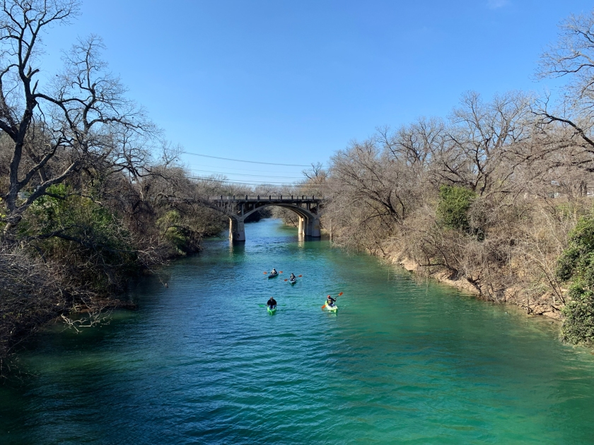 Canoagem no Barton Creek