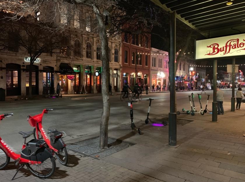 Noite na Sixth Street