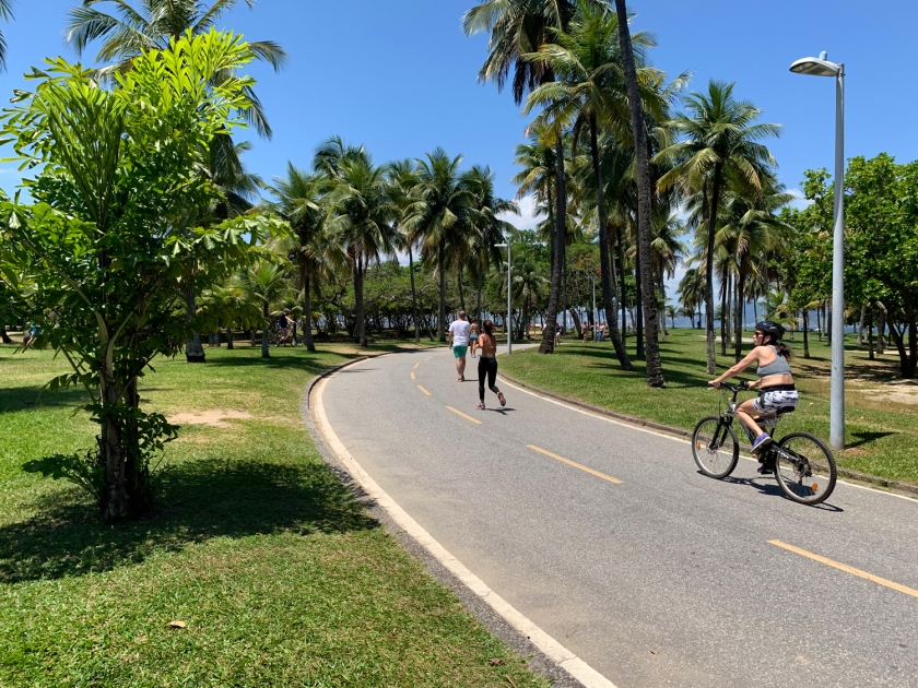 Pista de caminhada e ciclismo