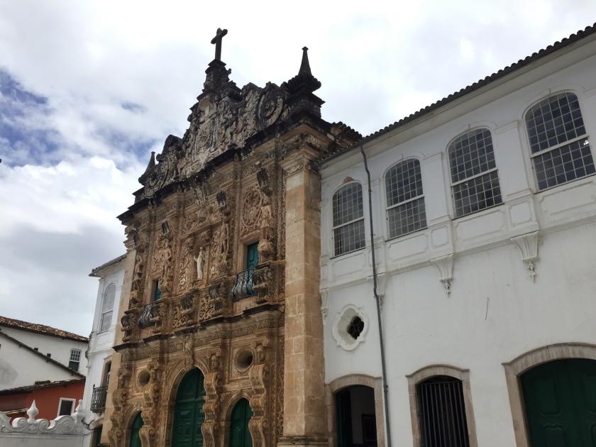 Fachada em estilo barroco hispânico