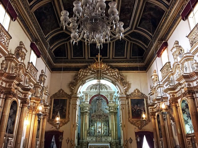 Interior com decoração renascentista