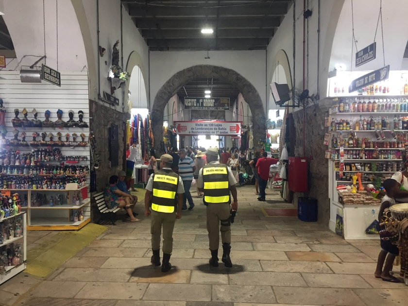 Centenas de lojas de artesanato