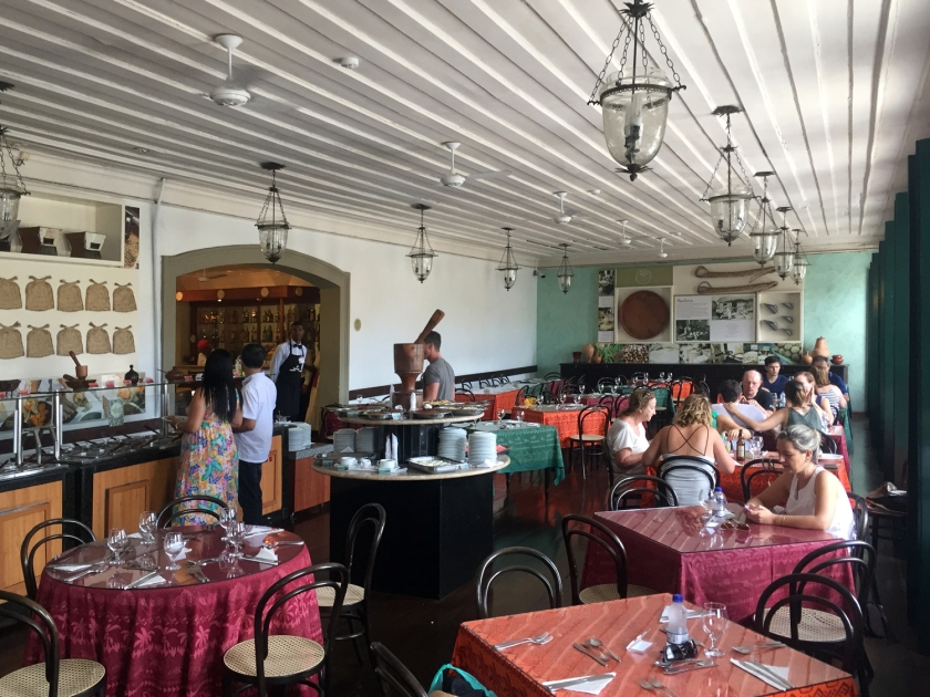 O restaurante funciona em um casarão colonial