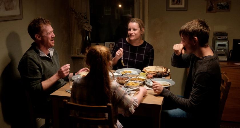 Família reunida para jantar