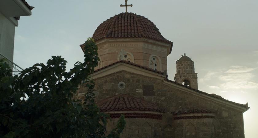 Uma das igrejas de Platsa