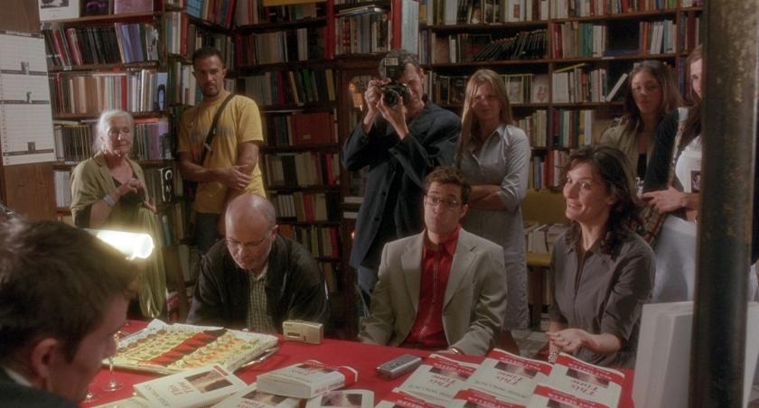 Livraria recebe escritores, artistas e intelectuais