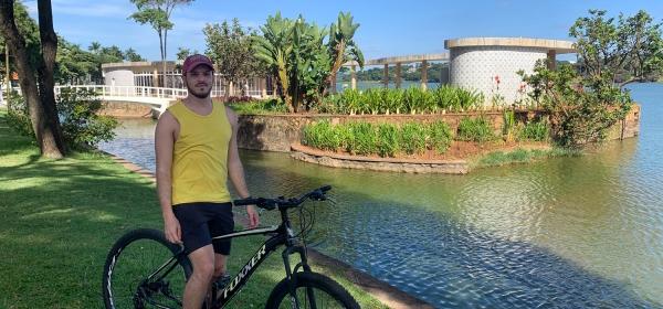 Volta de bicicleta pela orla da Lagoa da Pampulha