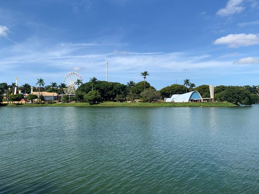 Caminhada na orla da Lagoa da Pampulha
