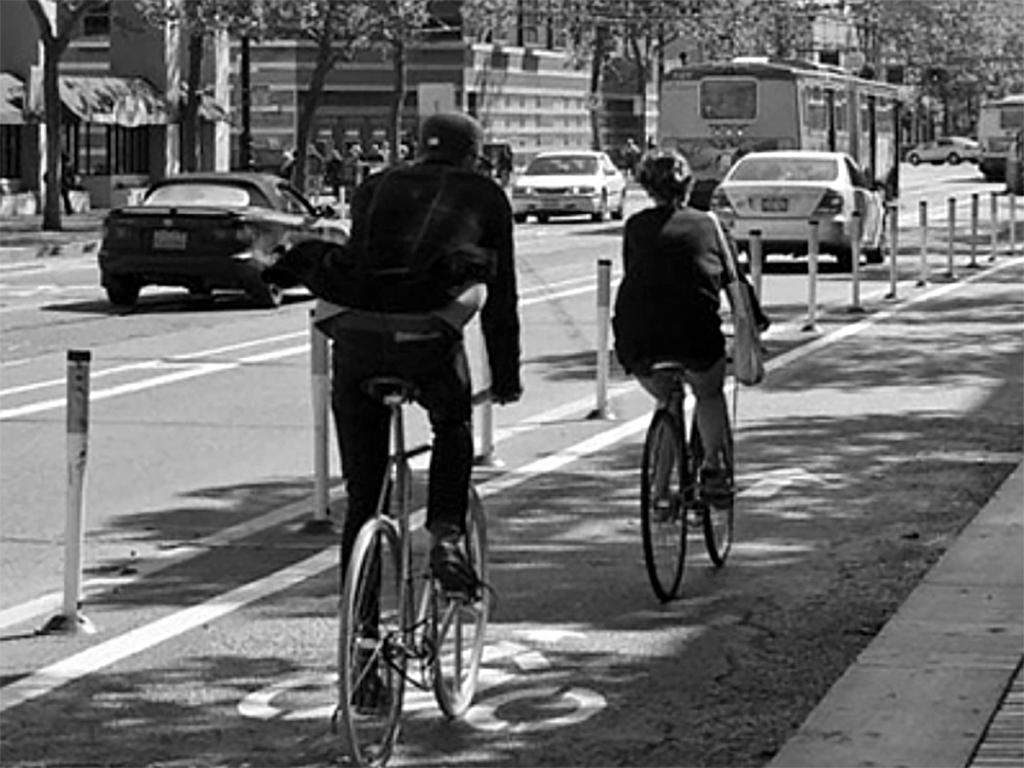 Ciclovia protegida do trânsito de carros