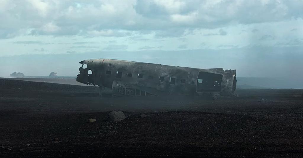 Restos de avião na praia de Sólheimasandur