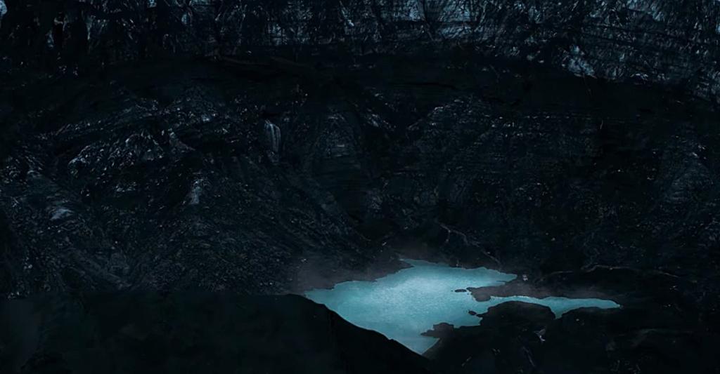 Lago em cratera de vulcão