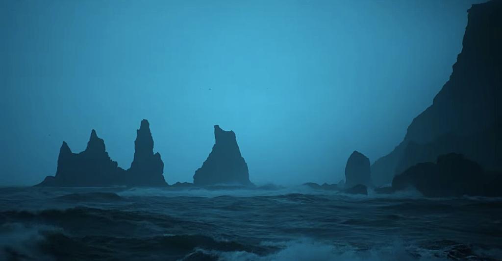 Formações rochosas no mar